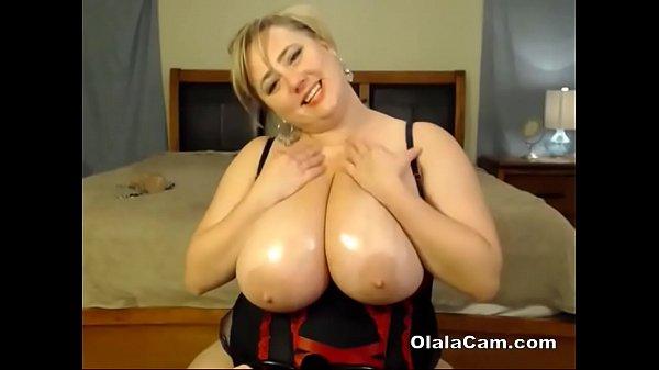 Amazing huge boobs BBW milf toying her big pussy