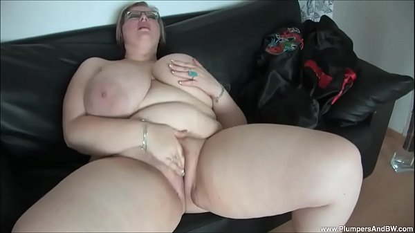 BBW Gertruda Plays with Herself