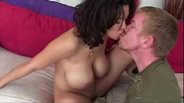 How To Pick Up MILFS Part1…(Complete Clip) F70   Tube Cup 2