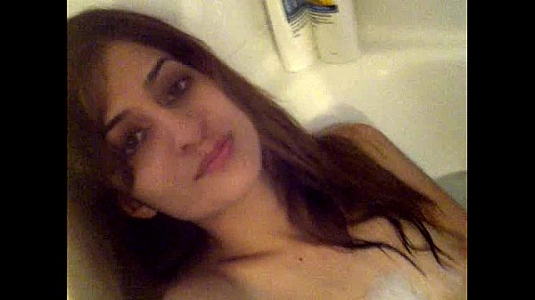 indian girlfriend nude bath