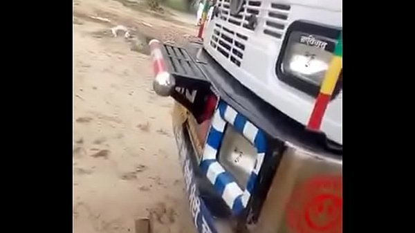 Indian lorry driver fucking in his cabin