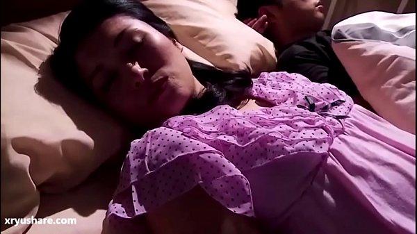 Japanese Mom Sleeping – LinkFull: http://q.gs/ERmGY