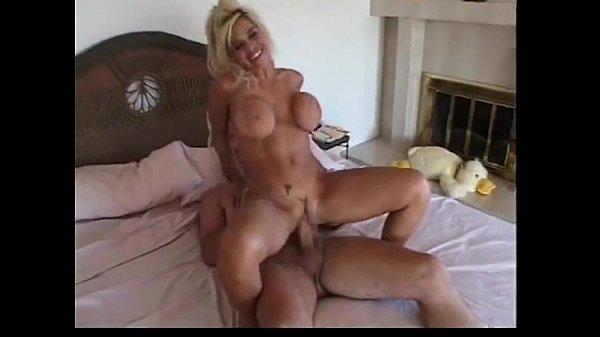 milfsonly.blogspot.com-Hot Busty MILF Elizabeth Starr