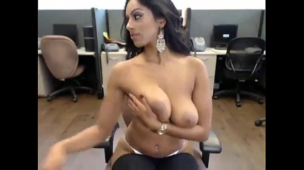Sexy Latina on webcam – more videos on – www.69SexLive.com